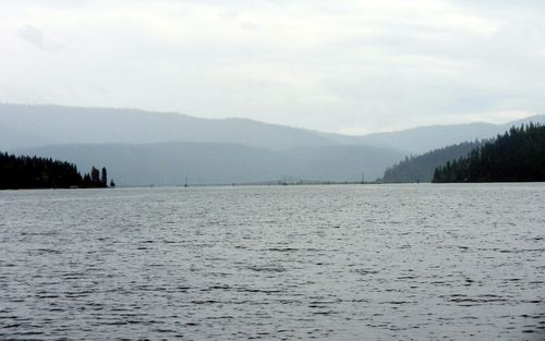 Trail of the coeur d'Alenes lake